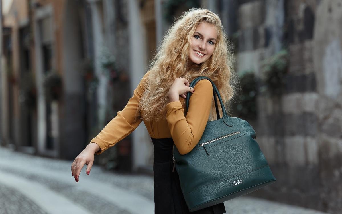 Handbag model Venezia Weekend color petrolio Tiano Collection Como